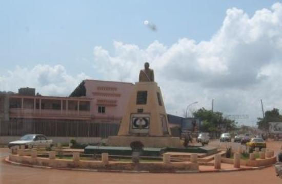Bangui, Zentralafrikanische Republik: Borsbeeld van die eerste president, 1959, Boganda wat vermoedlik deur die franse vermoor is in '