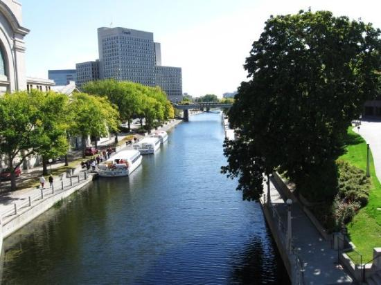 le canal rideau picture of rideau canal ottawa tripadvisor. Black Bedroom Furniture Sets. Home Design Ideas