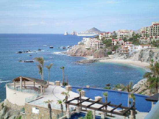 Welk Resorts Sirena Del Mar: Pools and view of El Arco