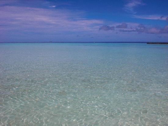 Maafushivaru: Acqua azzurra.....