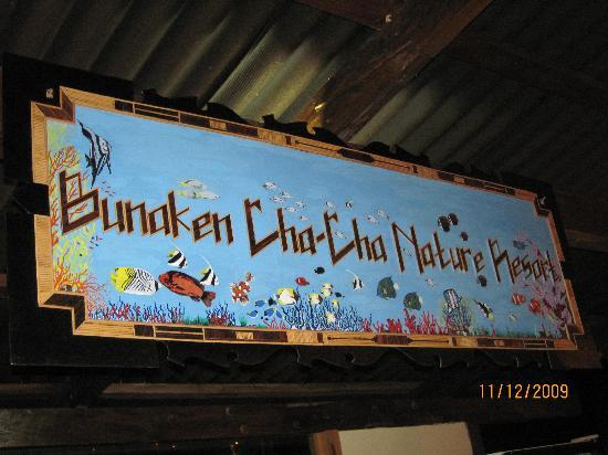 Bunaken Cha Cha Nature Resort: signage at bar counter