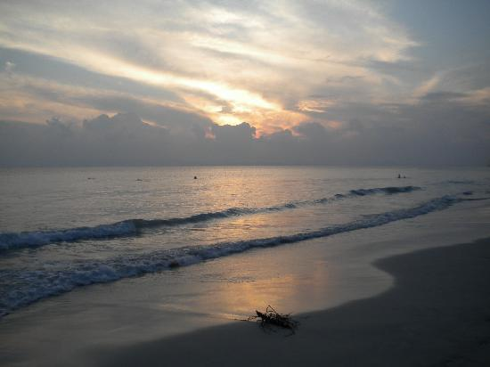 Radhanagar Beach: Waves with good manners