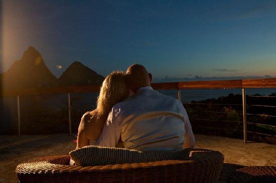 Jade Mountain Resort: the happy couple