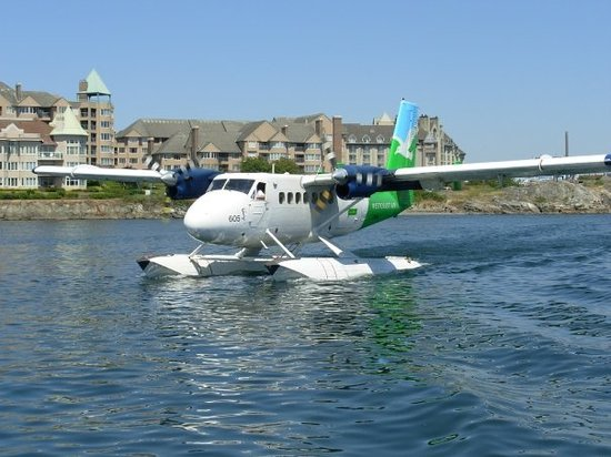 Harbour Air Seaplanes: Sea plane in Vancouver Harbor