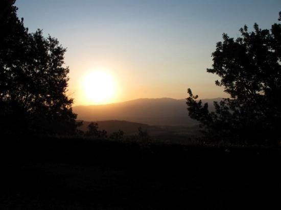 Bagno a Ripoli, Italy: Sunrise at the villa