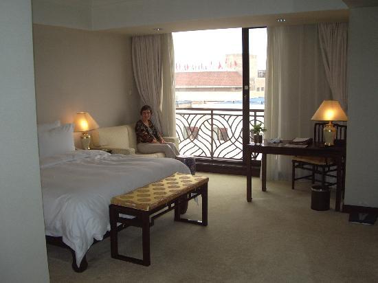 Garden Hotel (Deluxe Room)