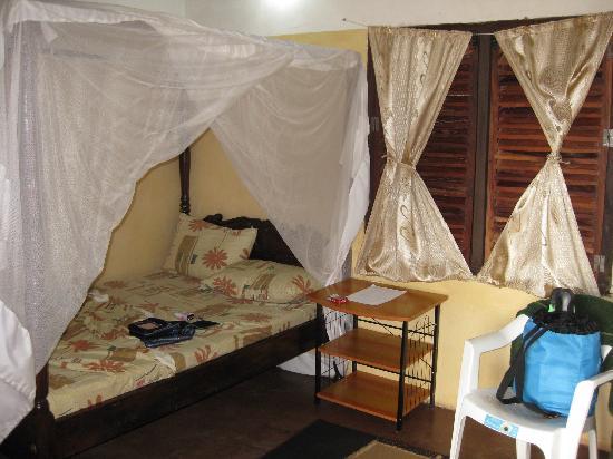 JamboHouse: Landestypische Zimmer, allerdings mit weitaus besseren sanitären Anlagen als anderswo