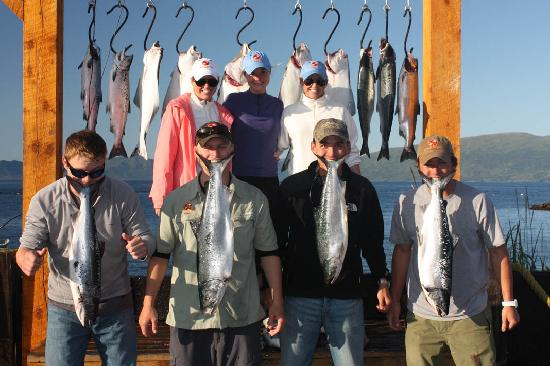 Kodiak Legends Lodge: A fantastic day on the saltwater!  Silvers and halibut galore!