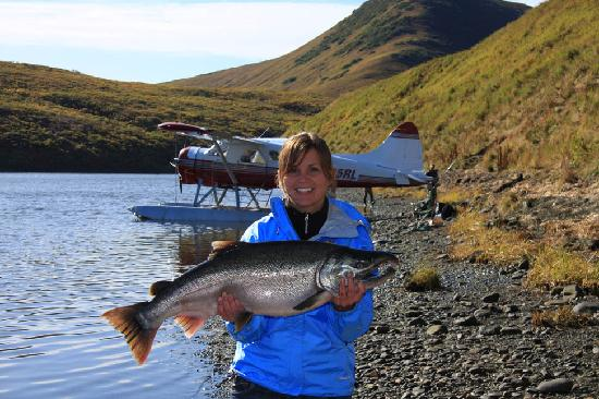 Kodiak Legends Lodge: Nice silver salmon for Katie!