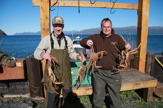 Kodiak Legends Lodge: A few delicious tanner crabs from the Lodge's crab pots