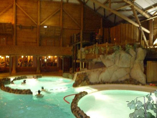 The pool picture of disney 39 s davy crockett ranch bailly for Piscine disneyland hotel