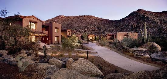 The Ritz-Carlton, Dove Mountain: The Casita Guest Rooms at our resort