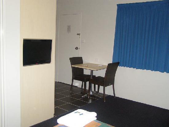 Park Beach Resort Motel: Deluxe King Room