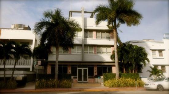 Crest Hotel Suites Vårt Hotell
