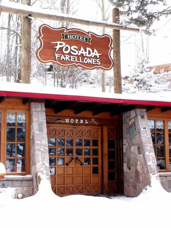 Hotel Posada de Farellones: Entrada Hotel