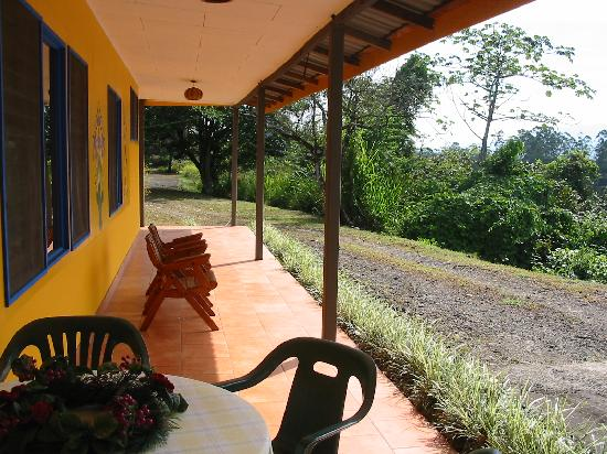 Posada Mimosa: view of family house patio