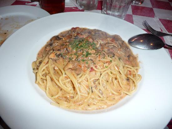 Antonio's : Mushroom Pasta