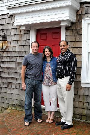 Three Forty Gate Bed and Breakfast: Innkeeper Michael on the left