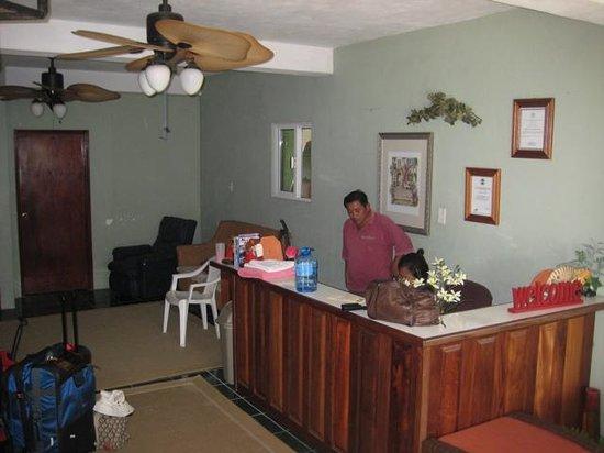 Tropical Inn B & B