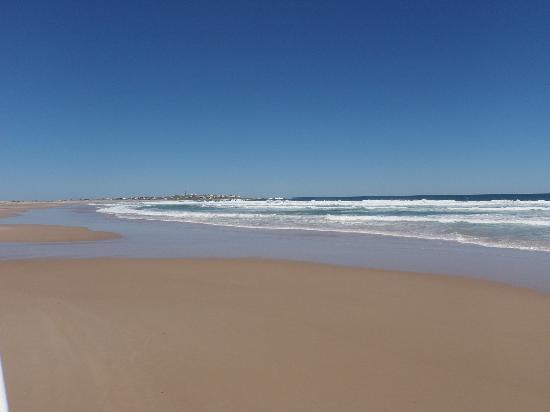 Hosteria La Perla: playa sur