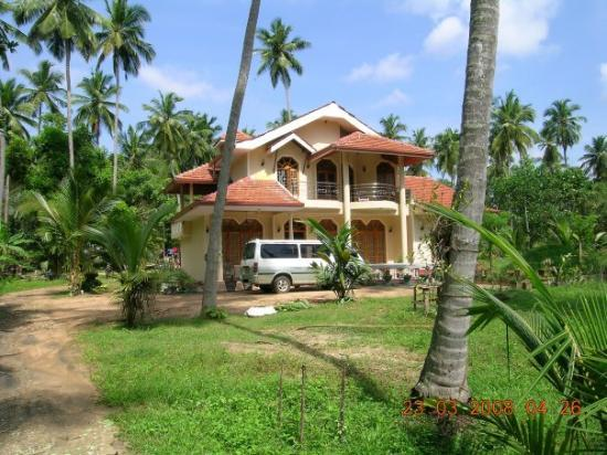 Kurunegala, Σρι Λάνκα: dammikas house  warriyapola