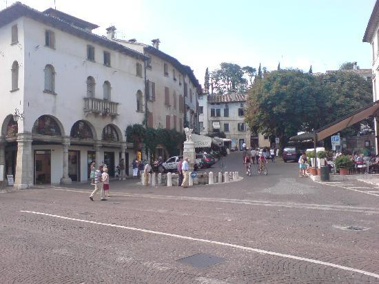 Villa Vega: Piazza Di Garibaldi, Asolo (from memory)