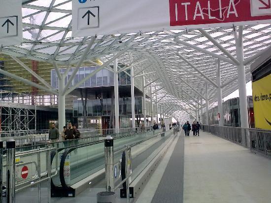 Milan, Italy: dalle passerelle