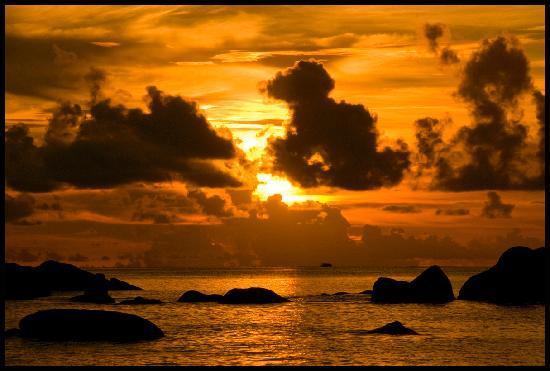 Anse Lazio al tramonto