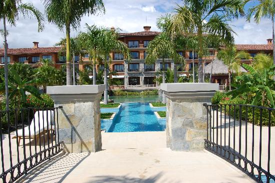JW Marriott Panama Golf & Beach Resort: hotel grounds