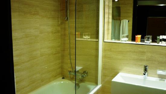 Hotel Grand Majestic Plaza Prague: Bathroom