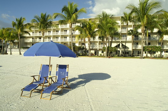 BEST WESTERN PLUS Beach Resort: Relax on the beach