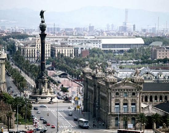 Ле-Баркар, Франция: Fantastic Barcelona  is 2 hours away.