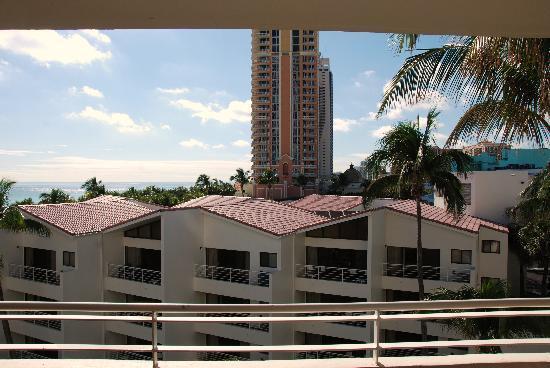 Golden Strand Ocean Villa Resort : Ocean view