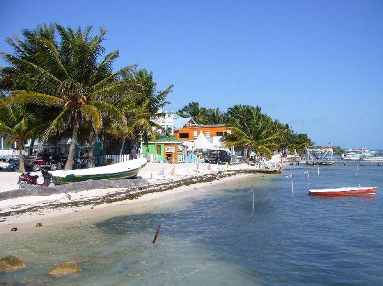 Seaside Cabanas: Caye Caulker Waterfront