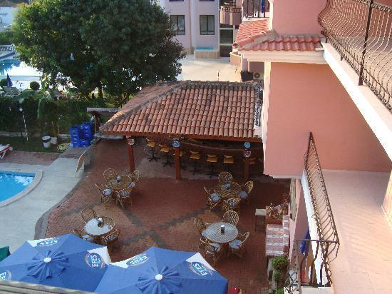 Pool bar, Gunes hotel