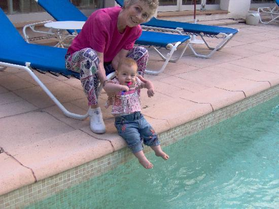 Hotel Le Floreal : Taking a quick dip