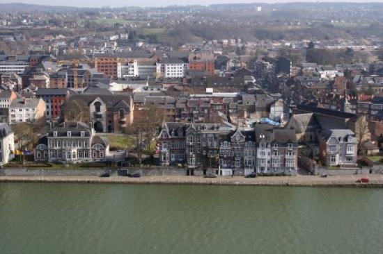 Намюр, Бельгия: Swanky pads in Namur