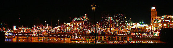 Bernville, Pensilvania: overall view of christmas village