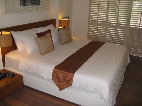 Banthai Beach Resort & Spa : our bed