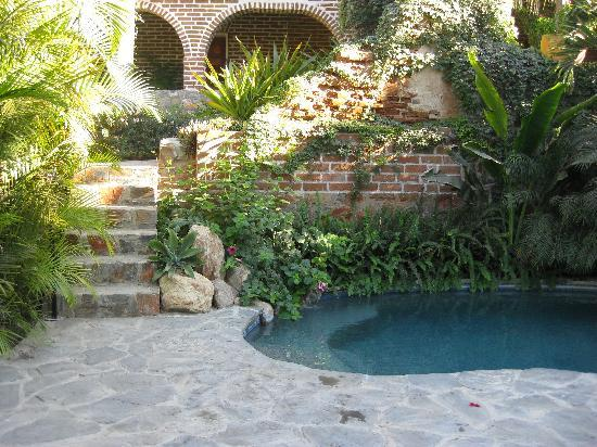 Todos Santos Inn: The lovely pool