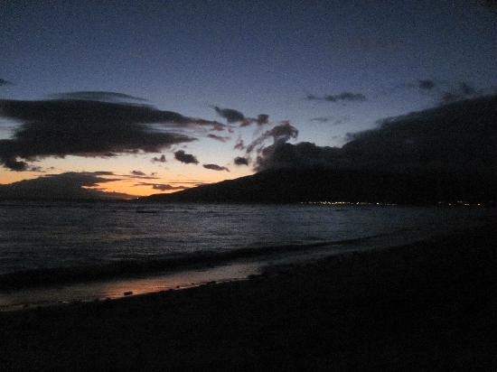 Kihei Garden Estates: Our first Maui sunset