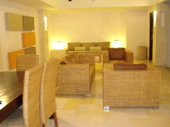 bvilla + Spa: living area
