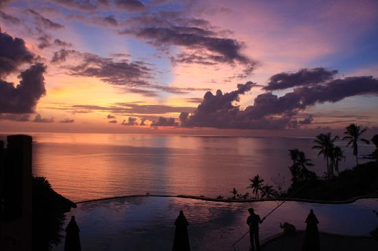 Samui Bayview Resort & Spa: Sunrise