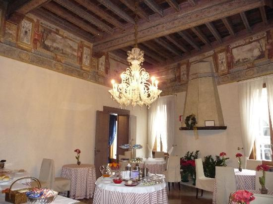 Albergo Cappello  Frescoed breakfast area 2ece3b1730ab