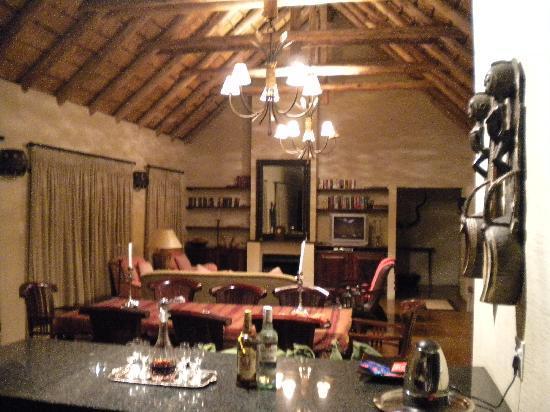 Hans Merensky Hotel & Spa: cucina-Living room