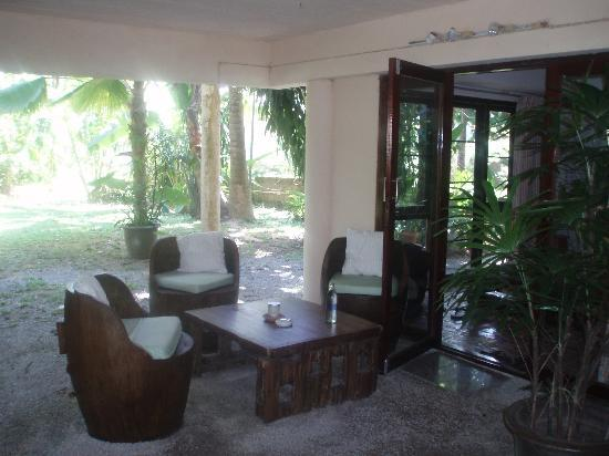 Garden Cottage: Patio, totaly seclude (room 20)