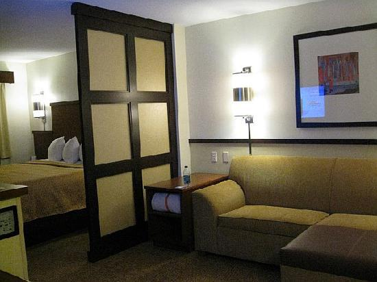 Hyatt Place Coconut Point: Roomy & comfortable!