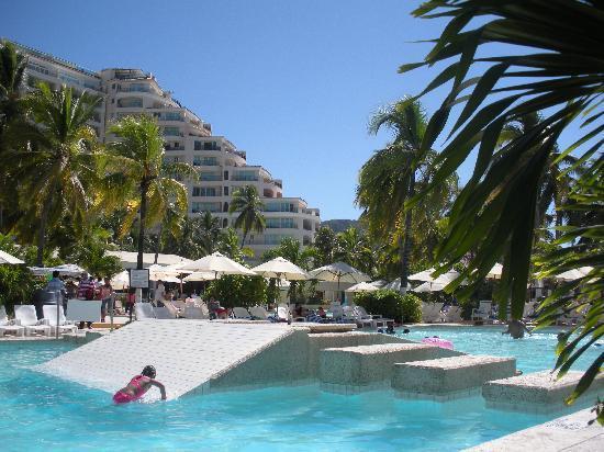 Hotel Fontan Ixtapa: Piscine de l'Hôtel Fontan