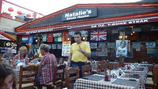 Natalie's Steak House: Brilliant atmosphere