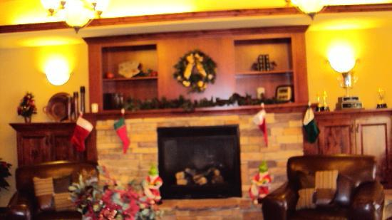 Rifle, CO: Lobby Christmas Setting